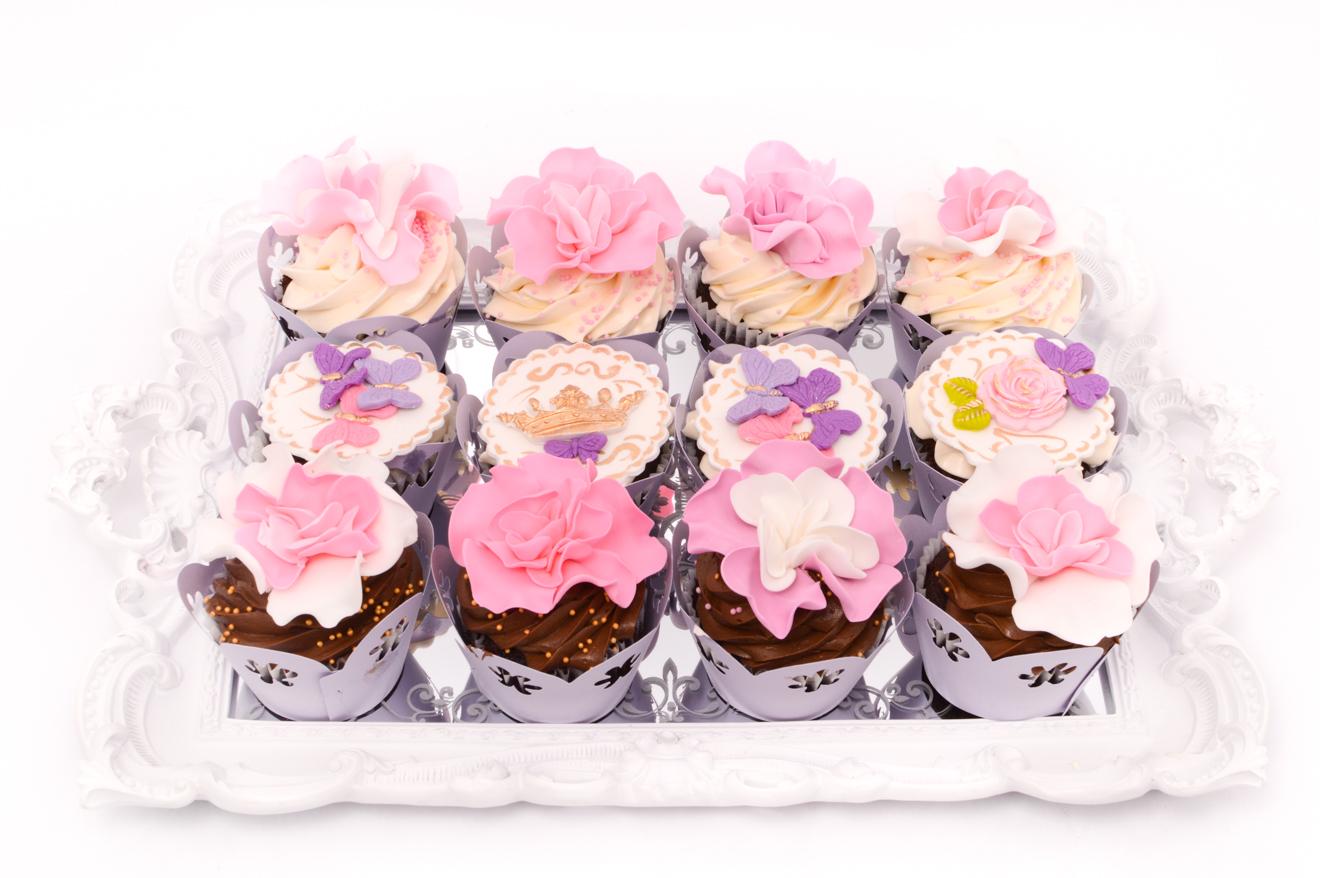 De la cine putem cumpara cupcakes?