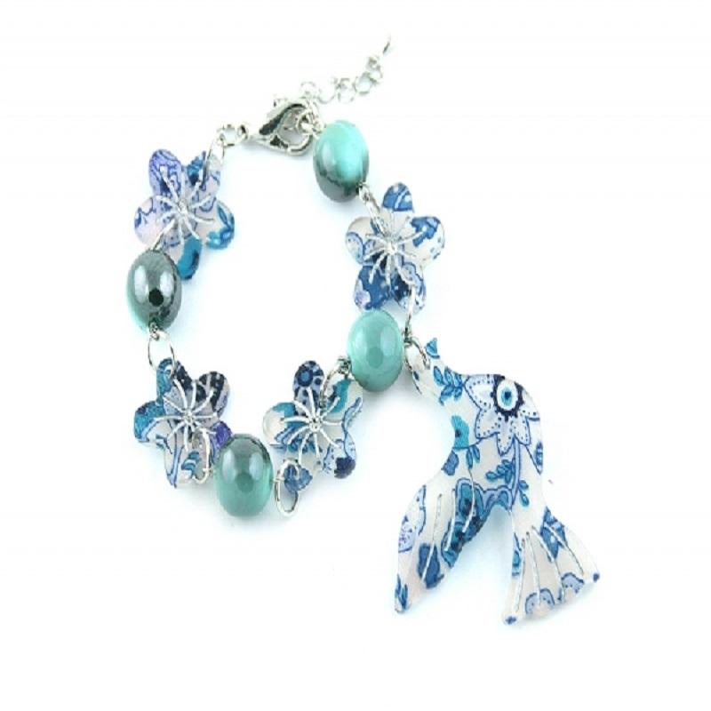 Acum ai ocazia de a-ti completa cutia de bijuterii cu coliere ieftine!